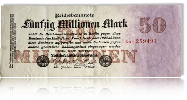 Zum Text vom Ahnenforscher ist eine Banknote abgebildet. Sie schwebt auf weißem Untergrund. Der Nennwert: 50 Millionen Reichsmark. Es ist kein Portrait auf dieser Banknote.