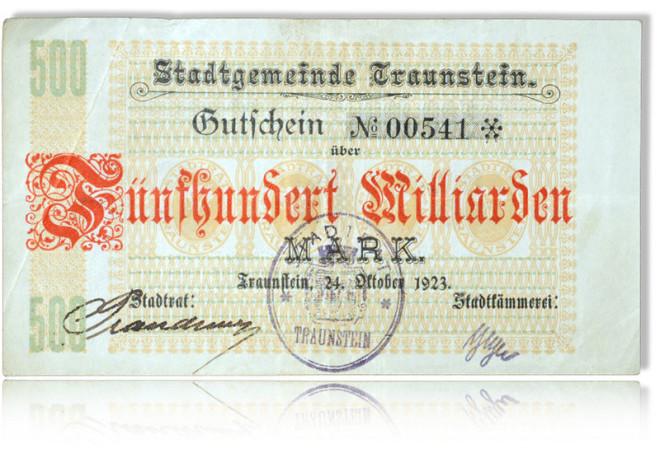 Die Stadtgemeinde Traunstein gibt einen Gutschein über 500 Milliarden Reichsmark aus. Zur Bildunterschrift vom Ahnenforschung und zur Thematik Ahnenforschung ist hier noch ein Geldschein abgebildet.