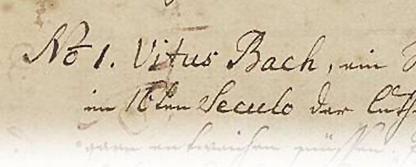 Sehr groß sieht man ein historisches Dokument von 1735, das Bach verfasste und seine Enkelin abschrieb - in Handschrift. allerdiings ist es nur die erste Zeile, zusammen sieht man etwa 10 Worte.